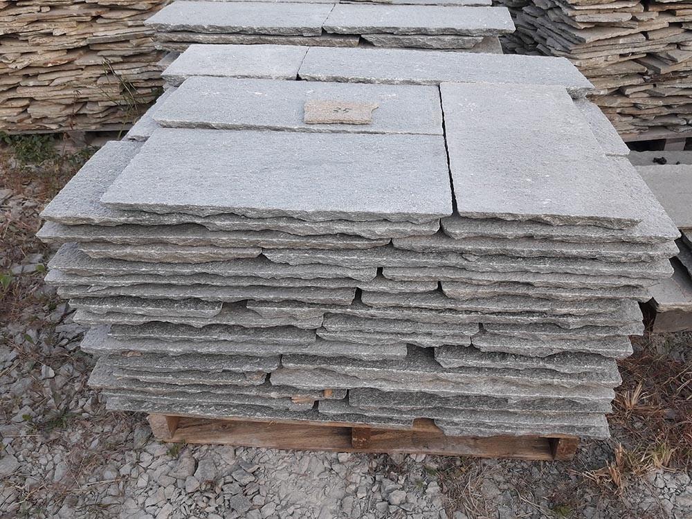 Pavimento esterno in pietra esterno villetta in cemento - Cemento colorato per esterno ...